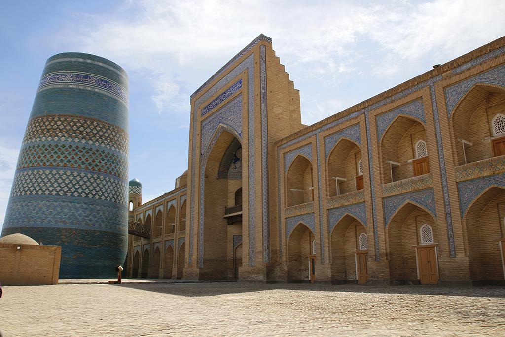 Edificios imponentes y preciosos en Khiva