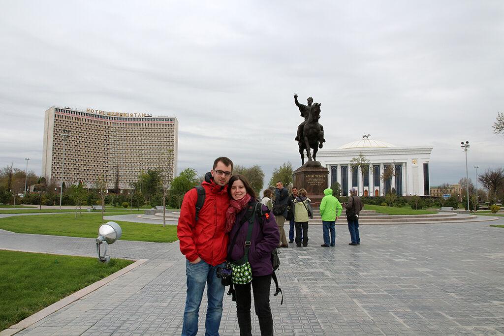 Estatua de Emir Timur en Tashkent