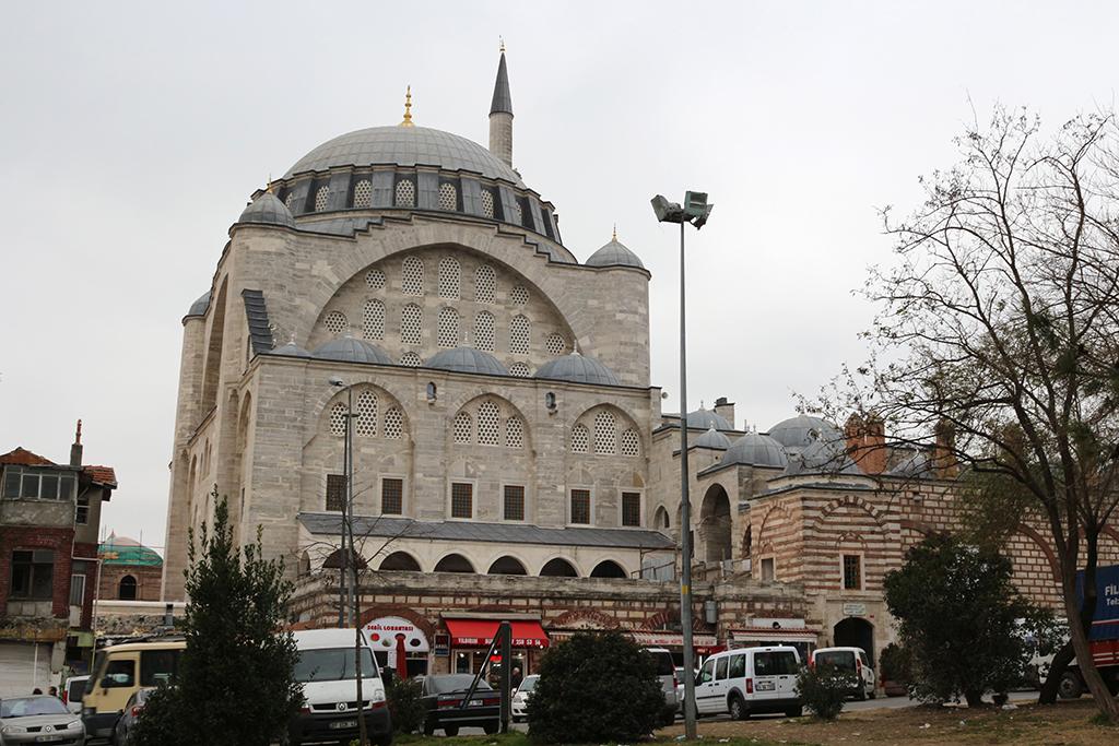 Exterior de la mezquita Mihrimah