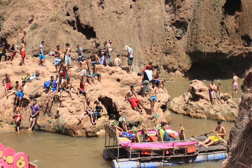 Bañistas en Ouzoud - Marruecos