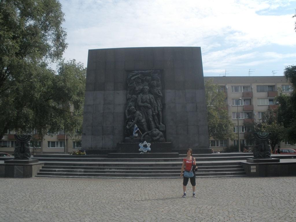 Monumento a los heroes del gueto de varsovia