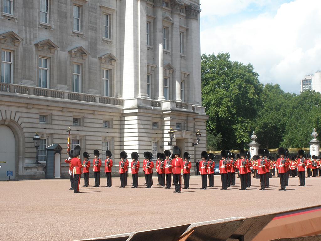 Guardias en el Buckingham Palace
