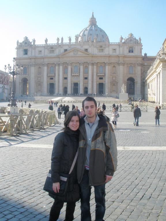 Aitor & Henar en la plaza de San Pedro - Vaticano