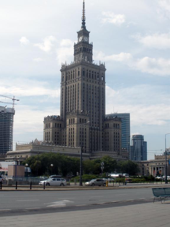 Palacio de la cultura y la ciencia de Varsovia de día