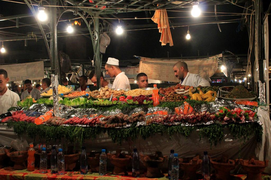 Puesto de comida callejero en Marrakech