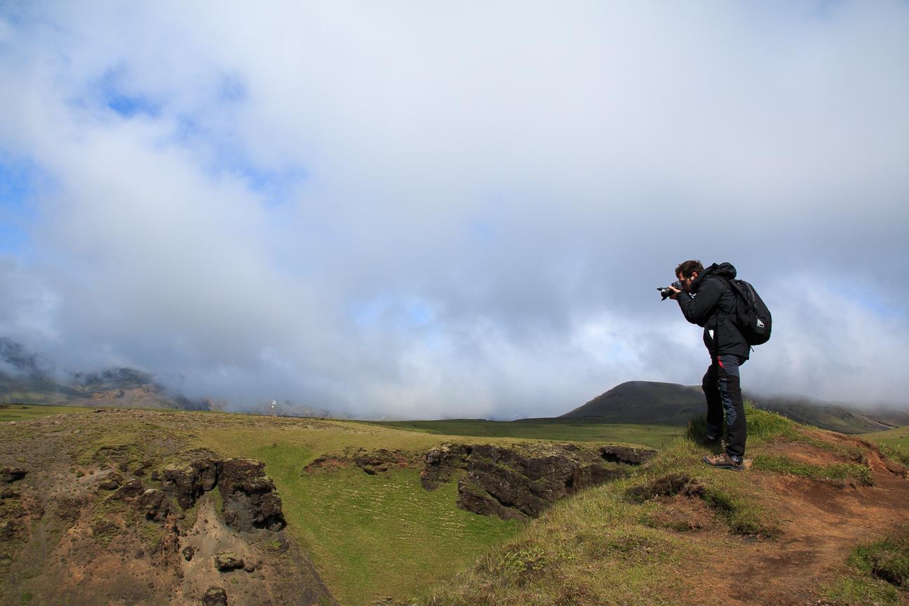 Aitor haciendo fotos en el Skogaa
