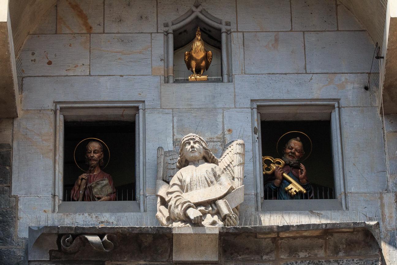 Apostoles y gallo del reloj astronomico de Praga