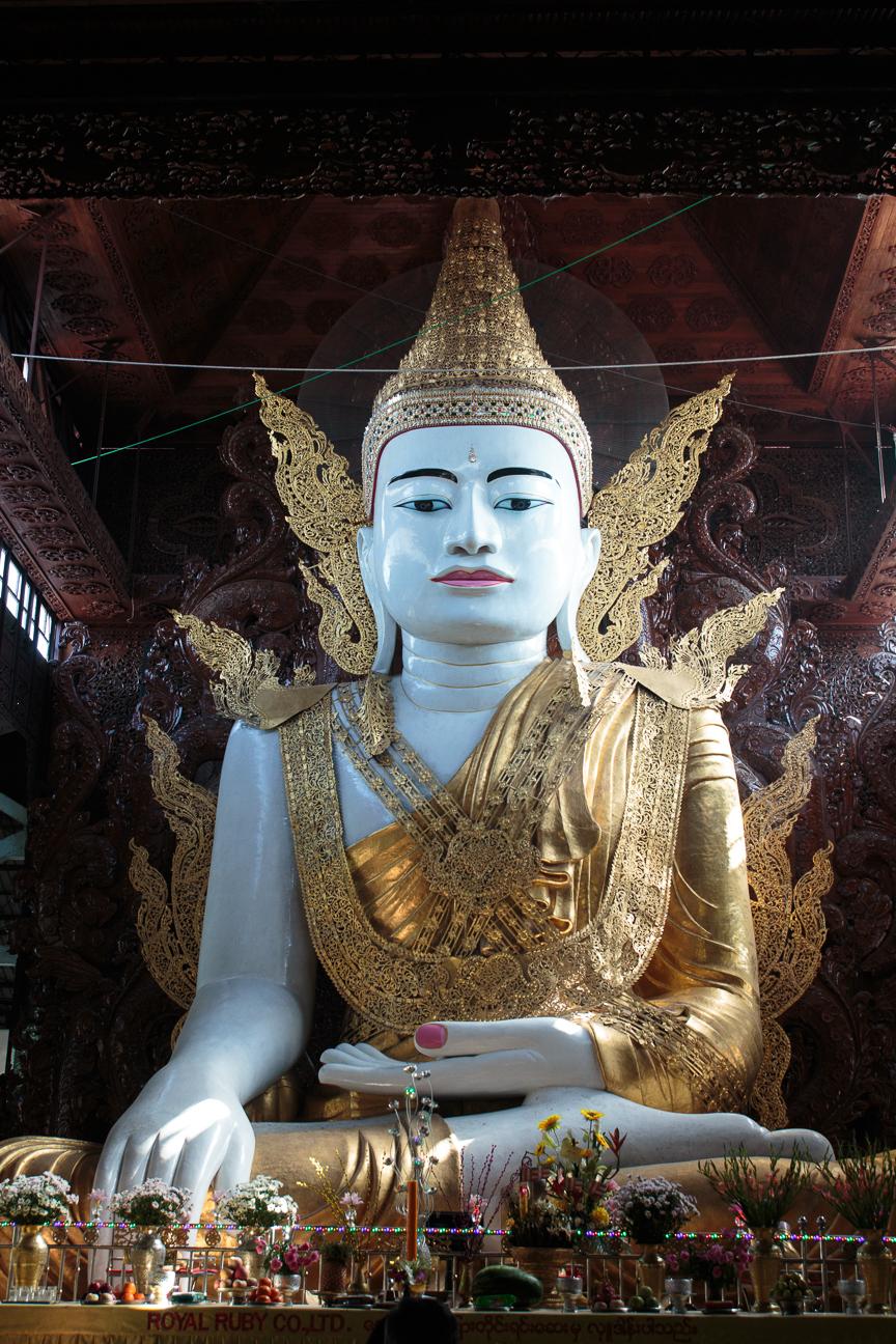 Buda en Ngahtatgyi Paya