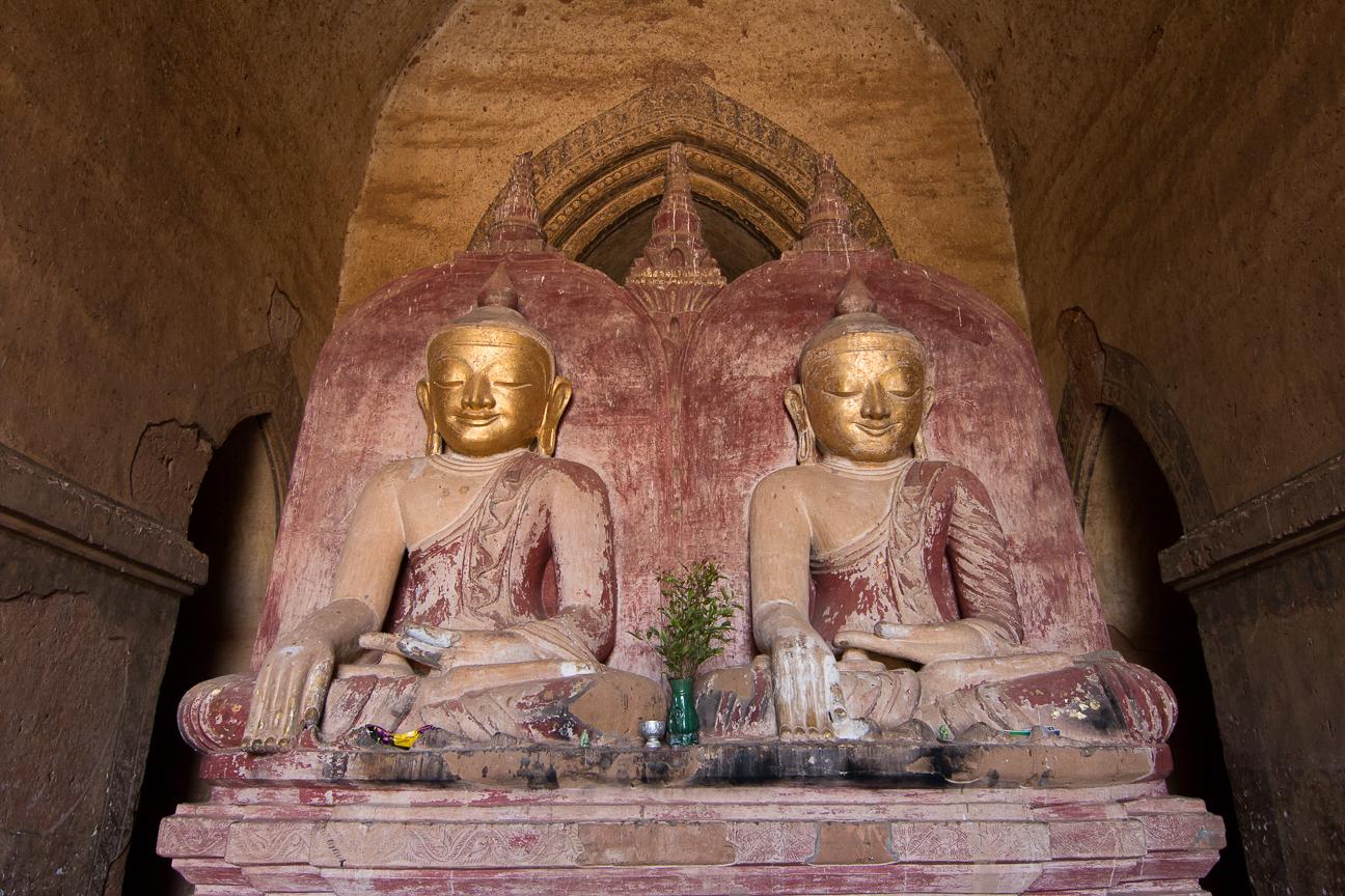 Budhas en Dhammayangyi Paya