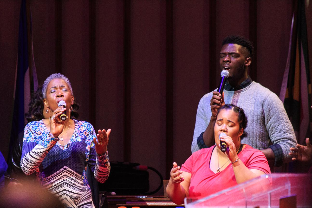 Cantando en la Misa gospel Nueva York