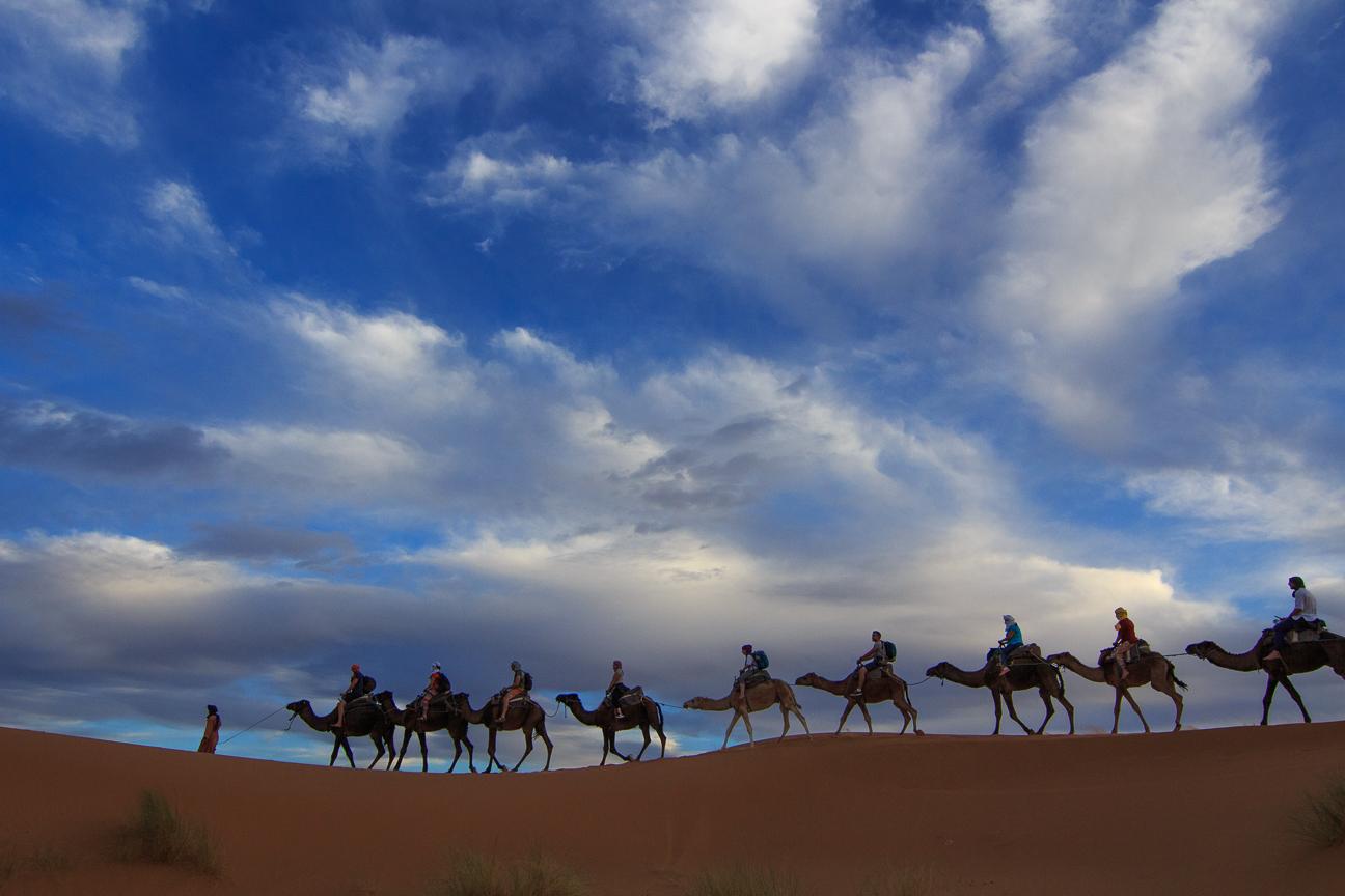Caravana por el desierto