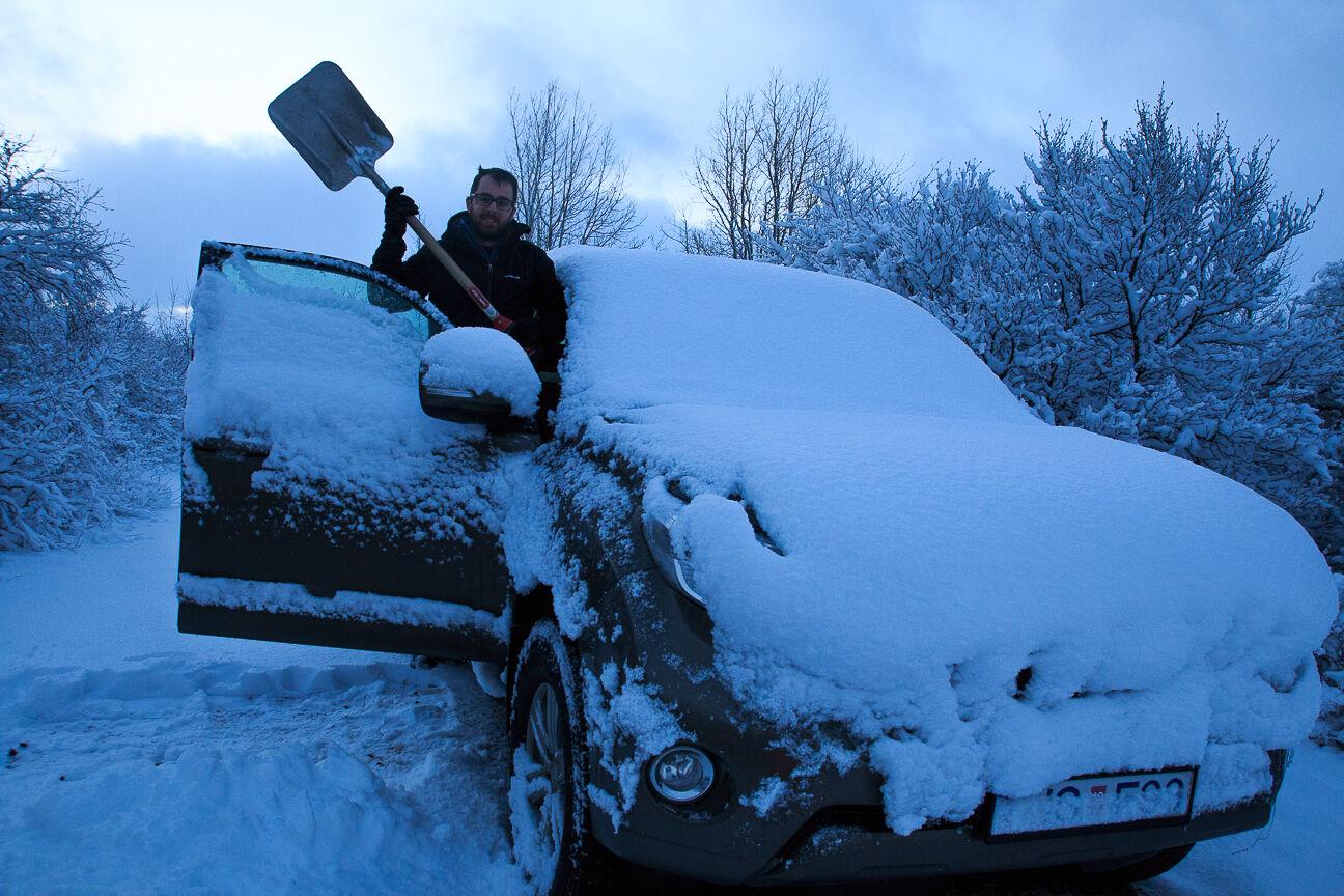 Coche alquiler Islandia nevando