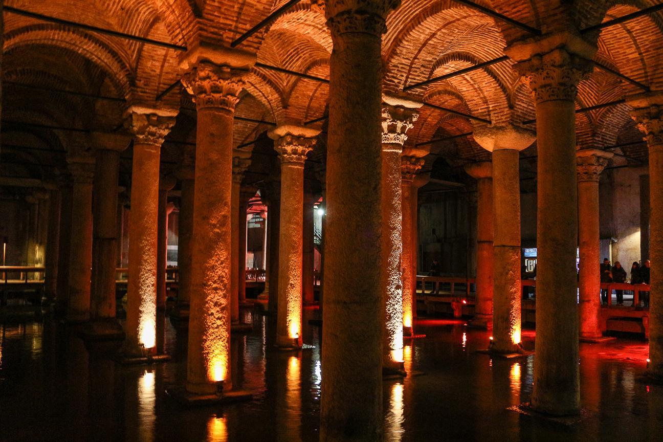 Columnas de la cisterna de Yerabatan de Estambul