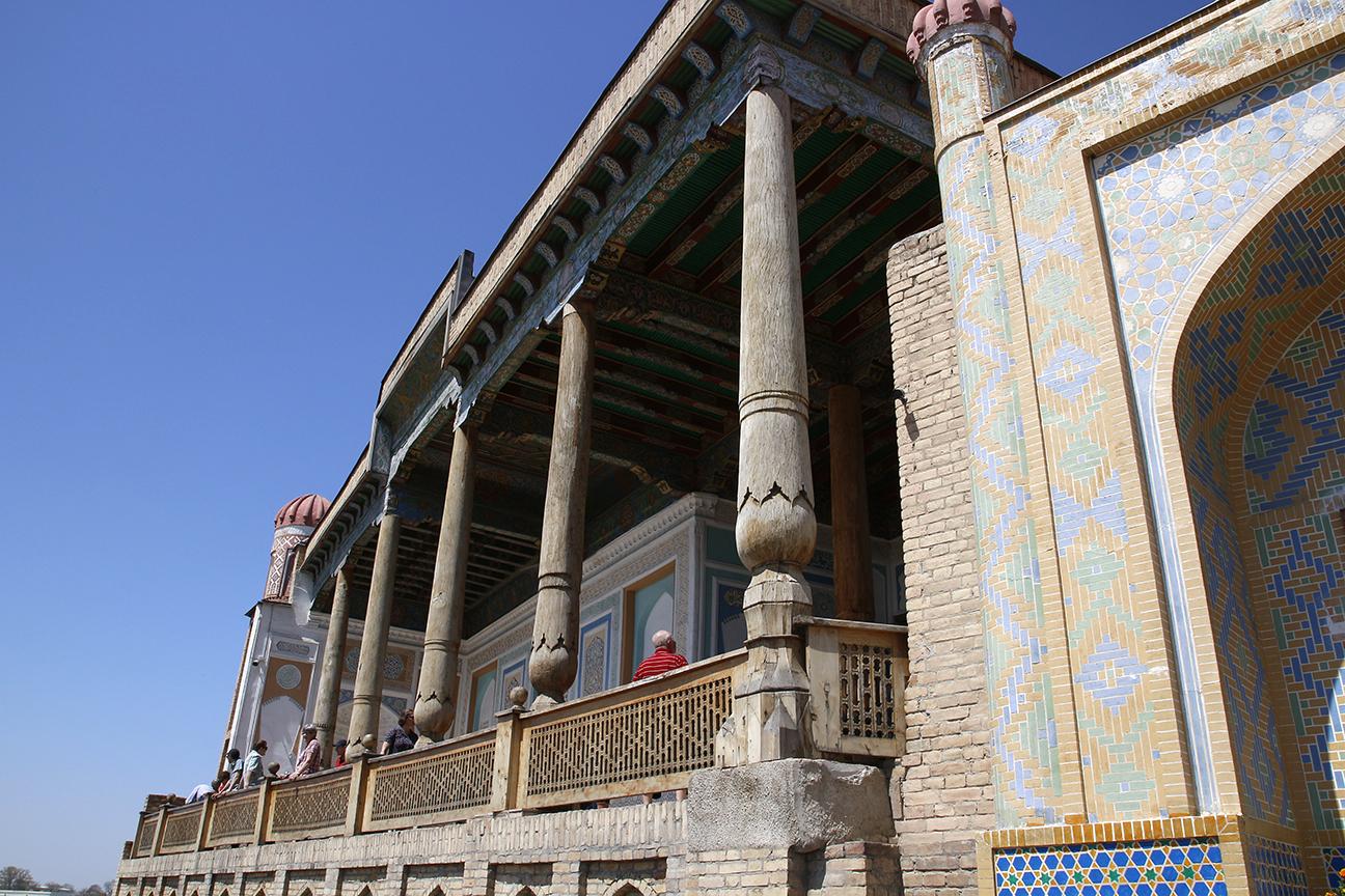 Columnas talladas de la Mezquita Hazrat-Hizr
