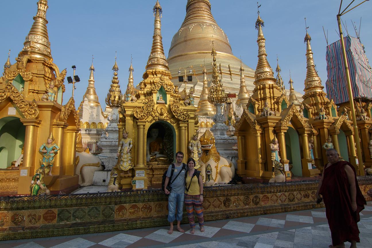 Comete el Mundo en la Shwedagon Pagoda