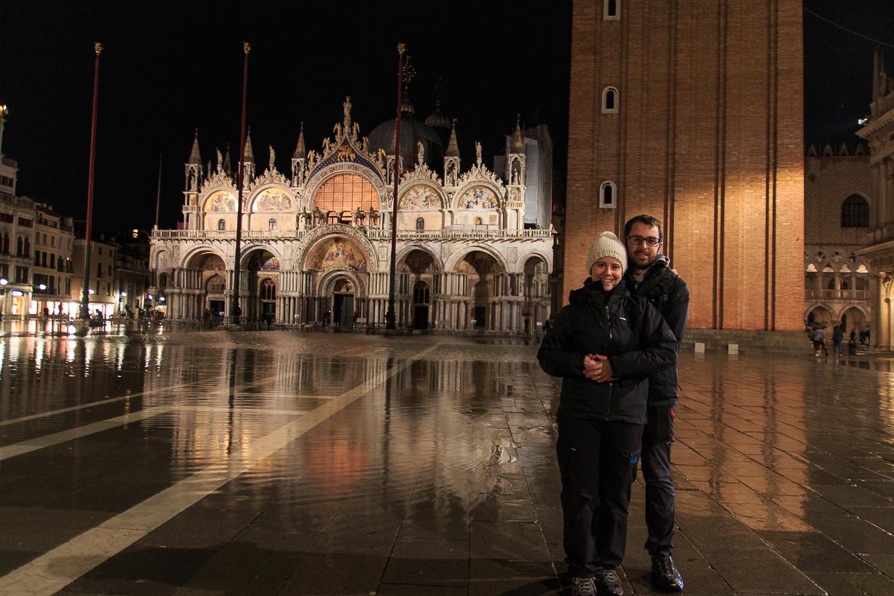 Comete el mundo en Venecia