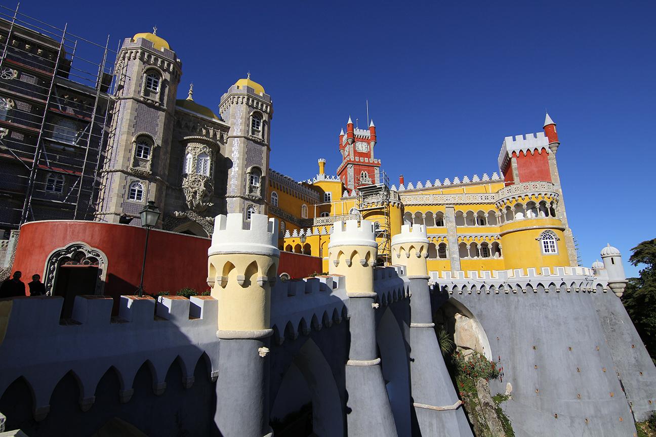 Contraste de Colores en el Palacio da Pena