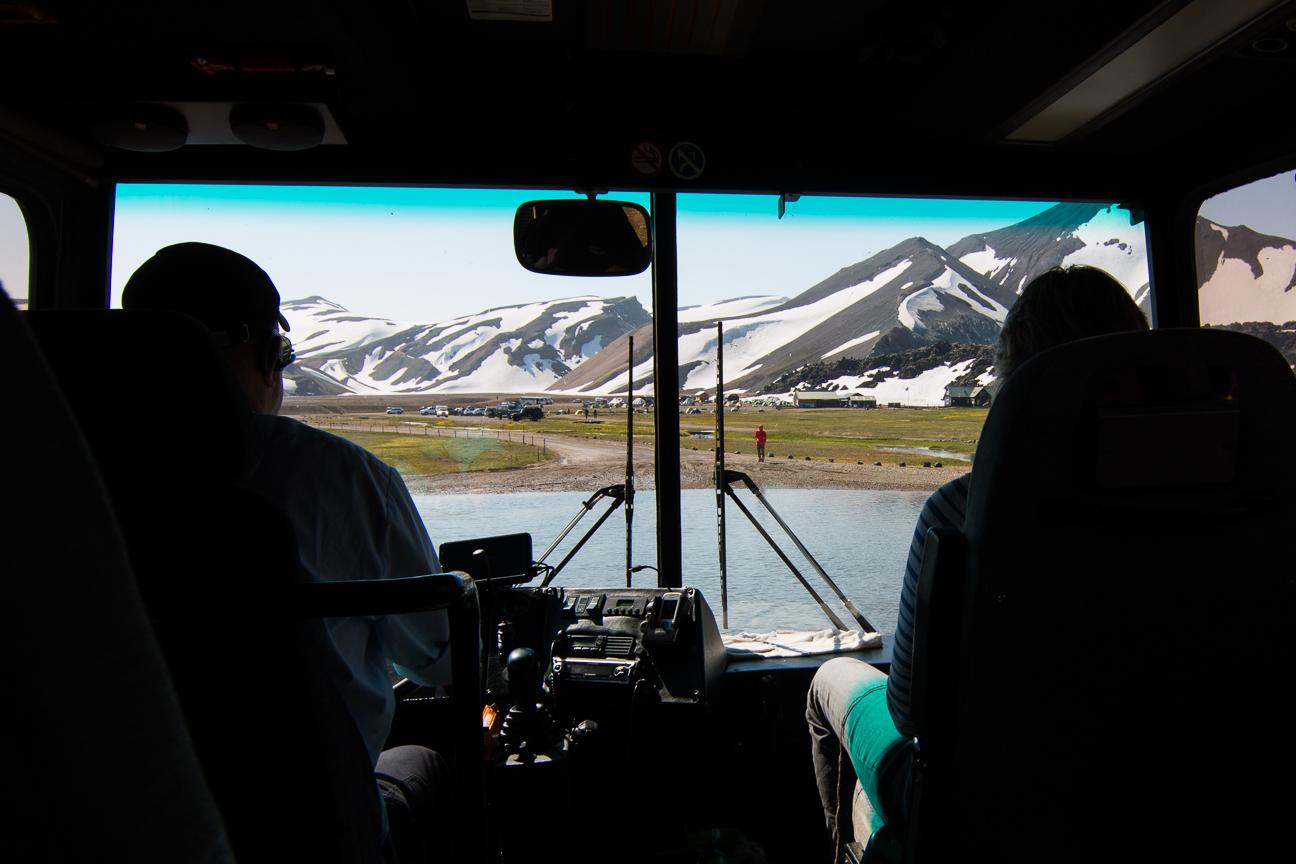 Cruzando rios para llegar a Landmannalaugar