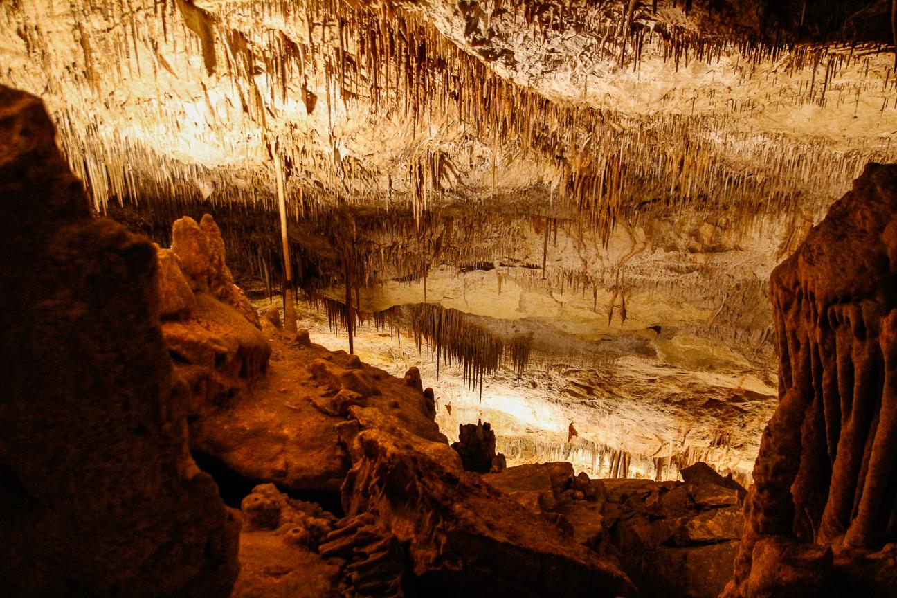 Estalactitas en las cuevas del Drach