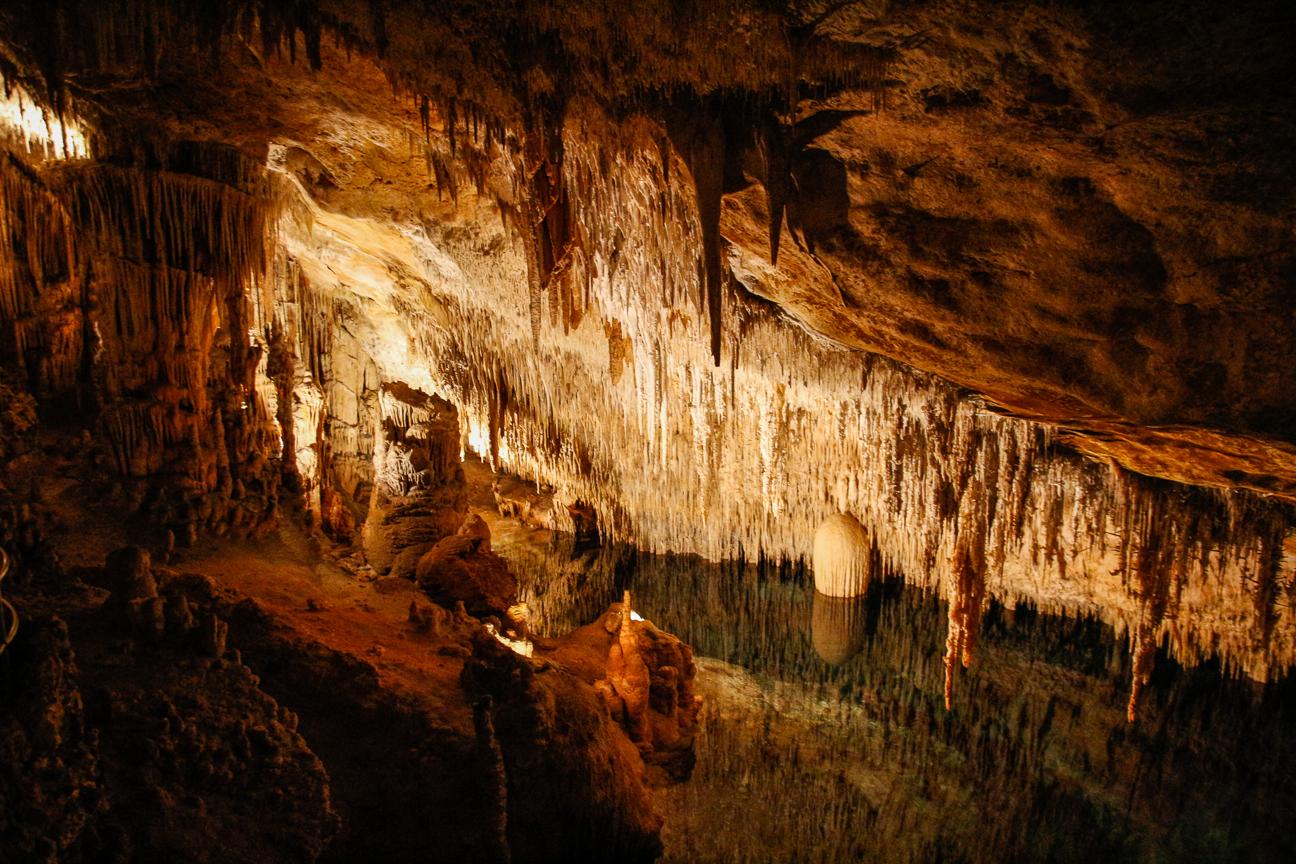 Reflejos en las cuevas del Drach