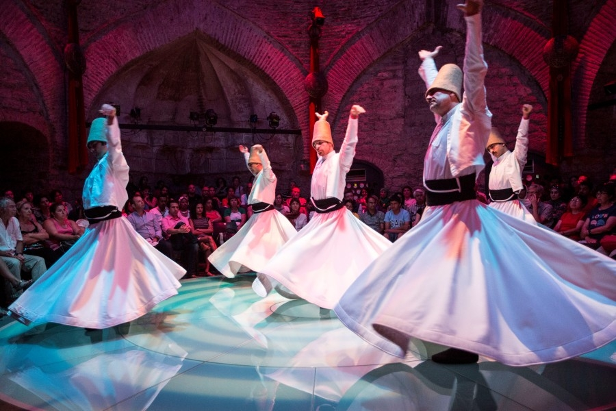 Derviches danzantes