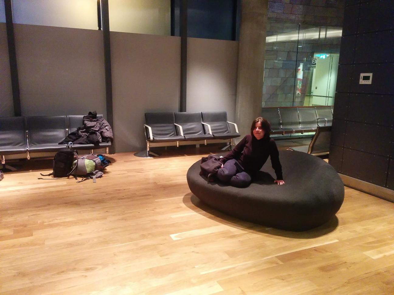 Descansando en el aeropuerto de Reykjavik