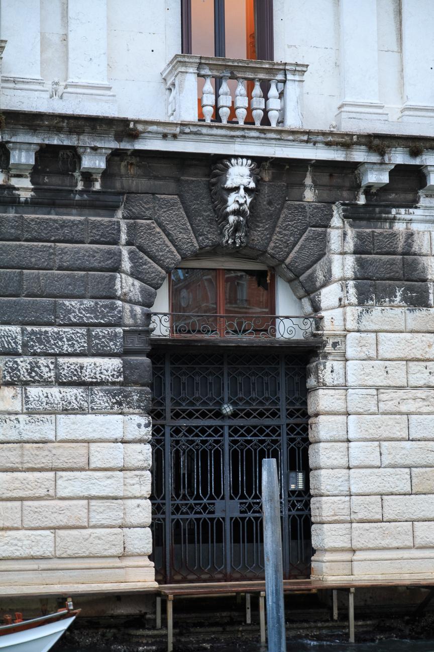 Detalle de un palacio de Venecia