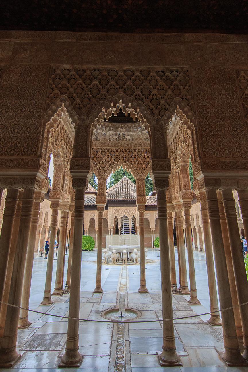 El patio de los leones de la Alhambra