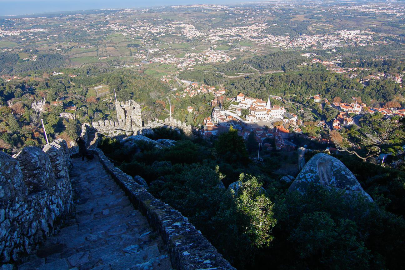 En lo mas alto del castillo dos moros