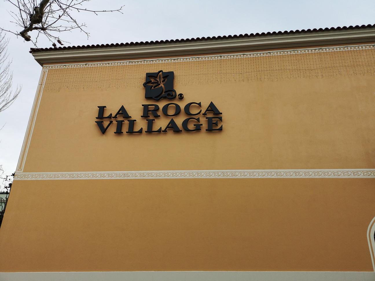Entrada a la Roca Village