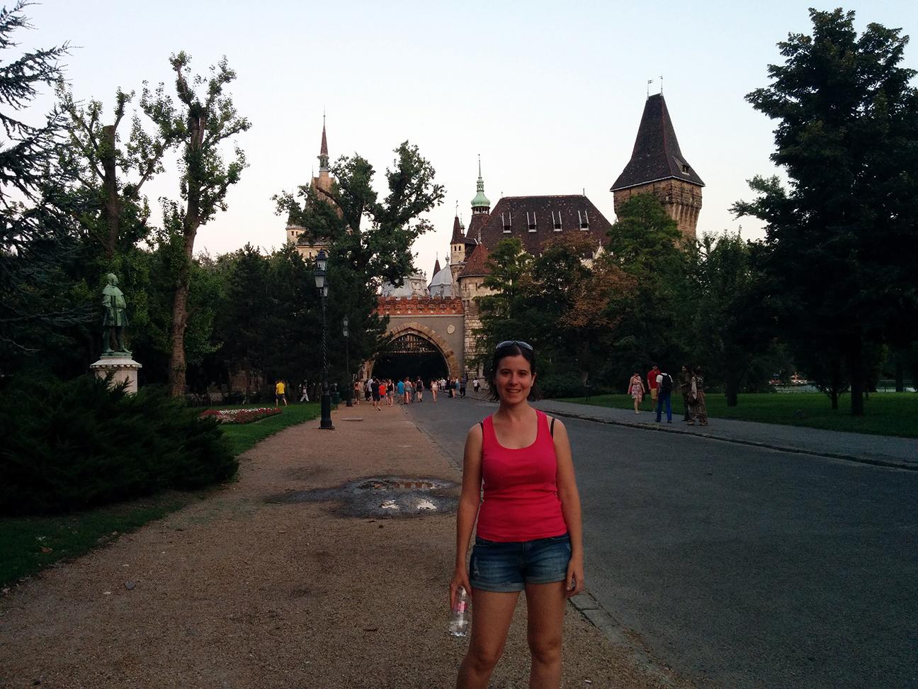 Entrada al Castillo del Parque Szechenyi