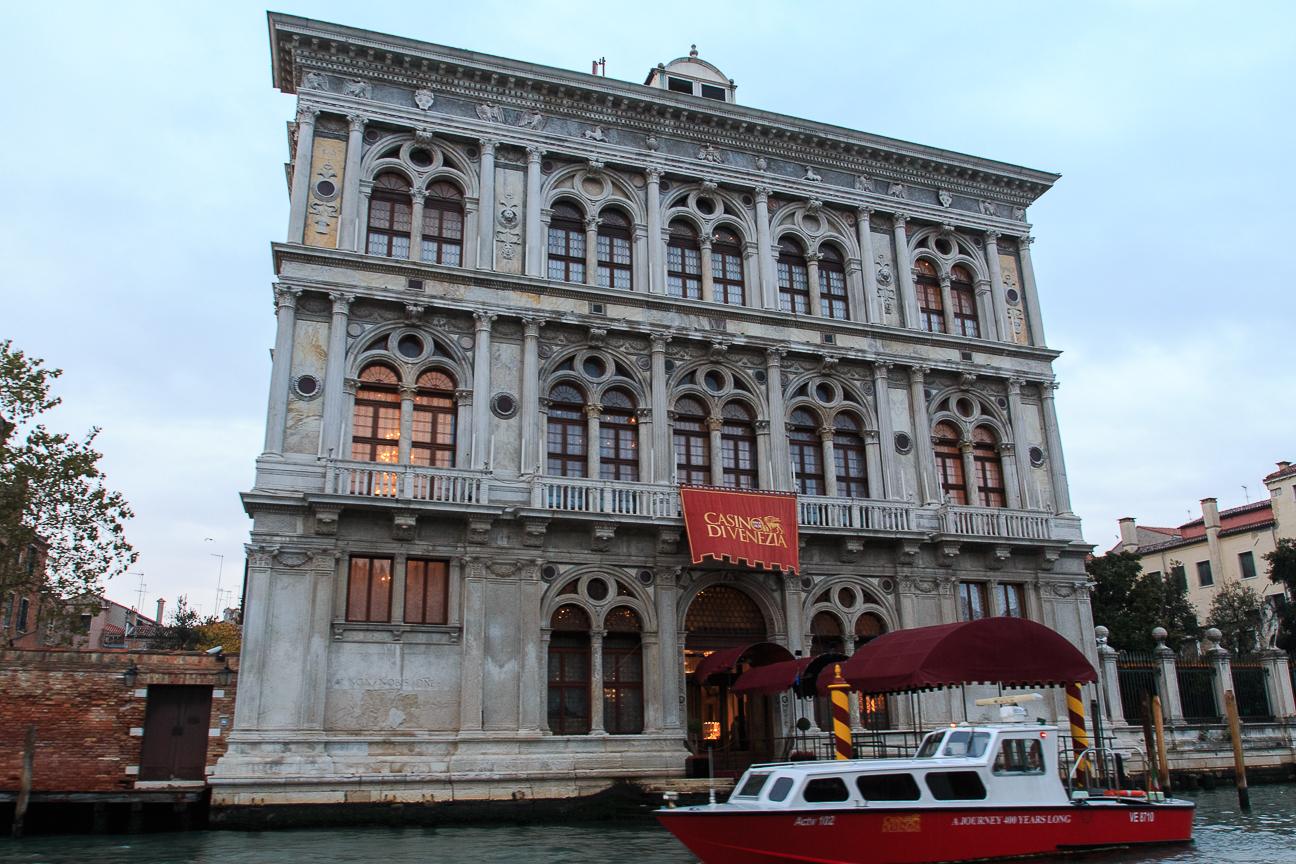 Entrada al Gran Casino de Venecia