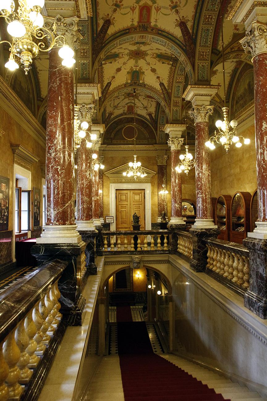 Escalera real de la Opera de Budapest