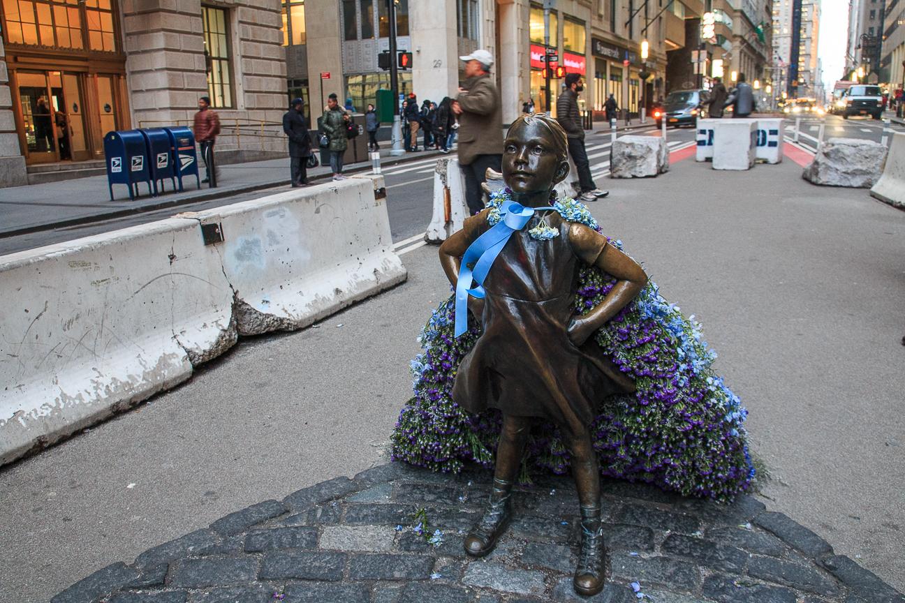Estatua de la nina sin miedo en Nueva York