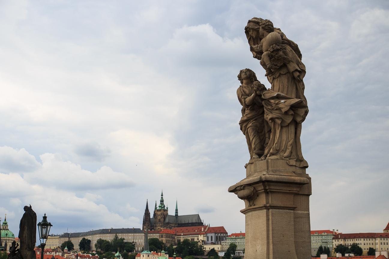 Estatua de Santa Ana en Praga