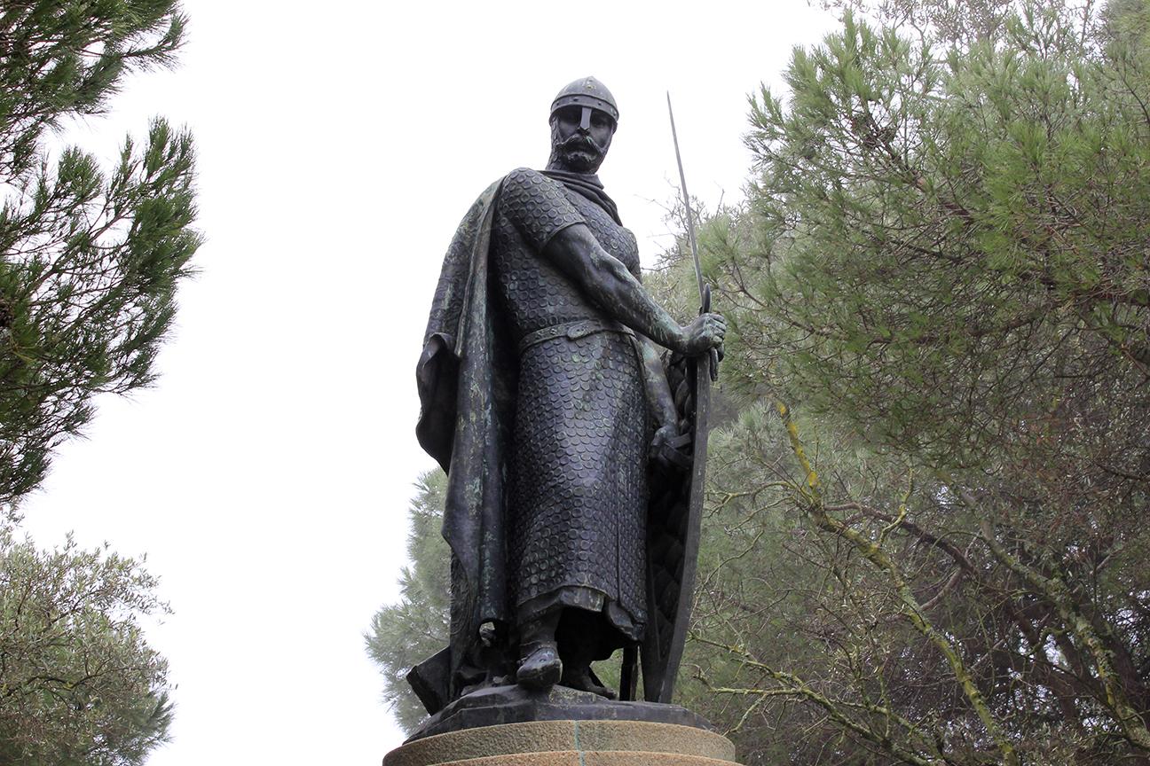 Estatua de San Jorge en Lisboa