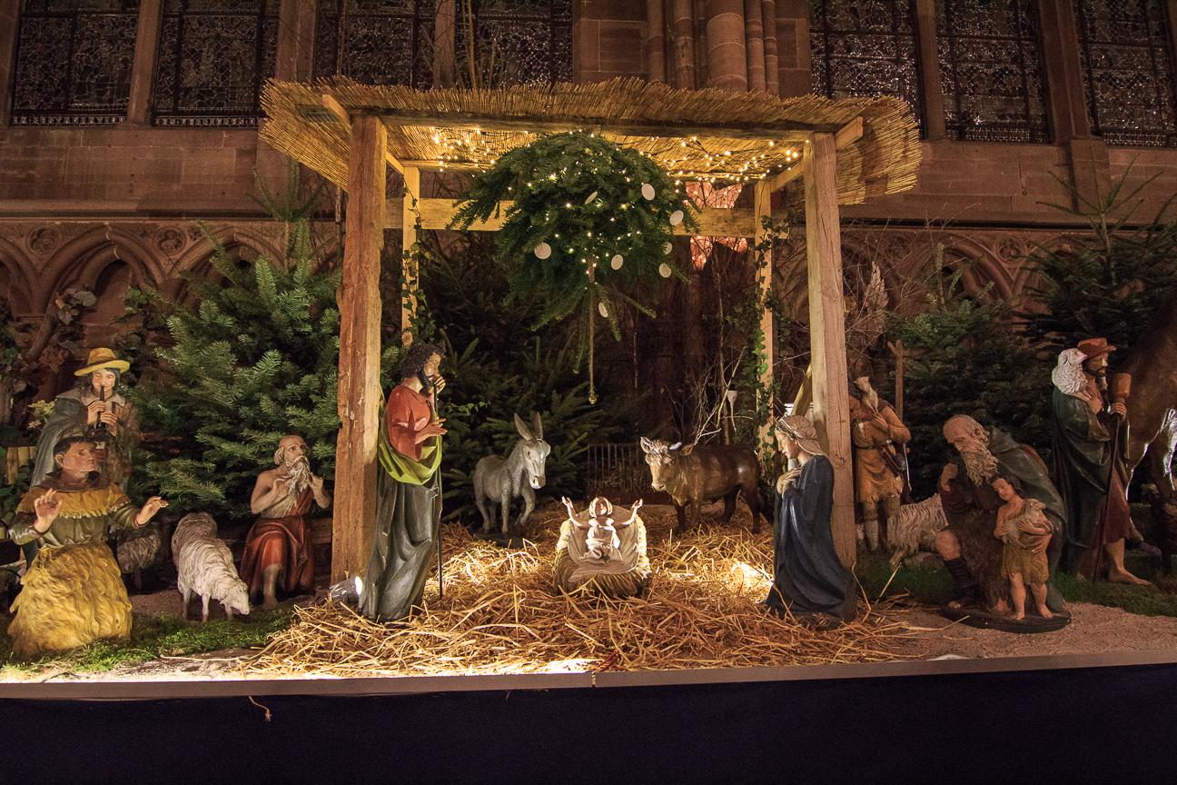 df5d2526a75 Pesebre de la catedral de estrasburgo pesebre pesebres de navidad grandes  templo pesebres jpg 1296x864 Casitas