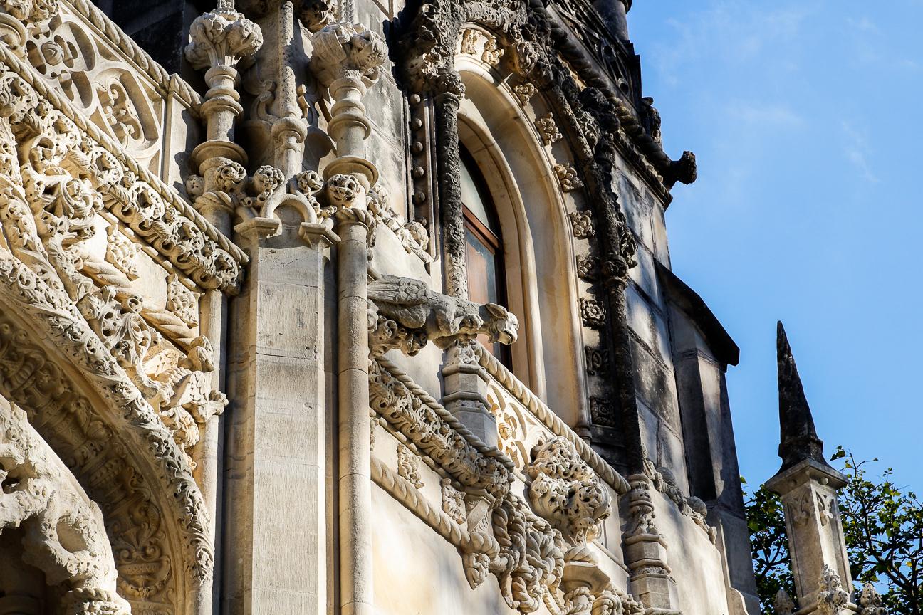 Exterior gotico del palacio de la Quinta