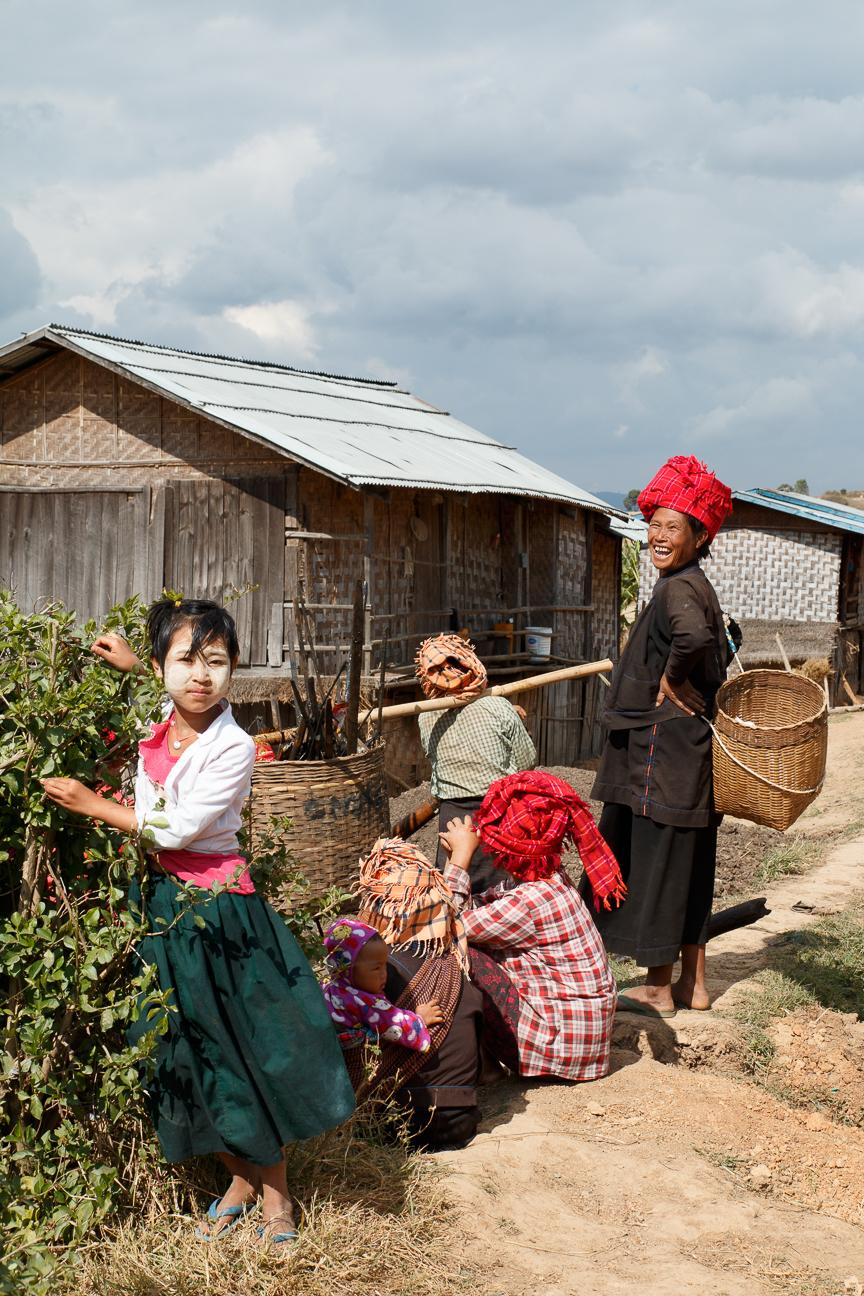 Familia etnica en Myanmar