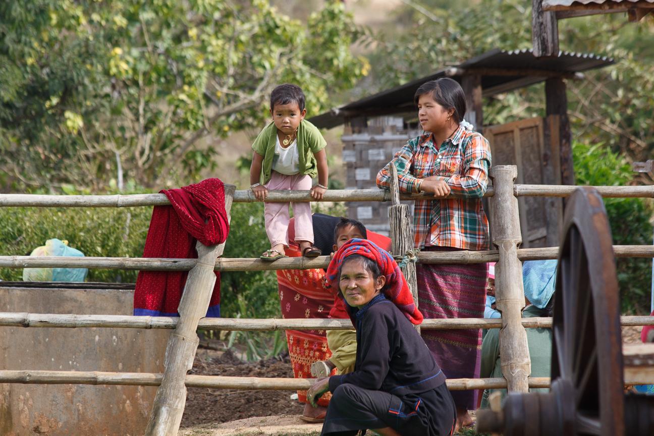Familia Myanmar
