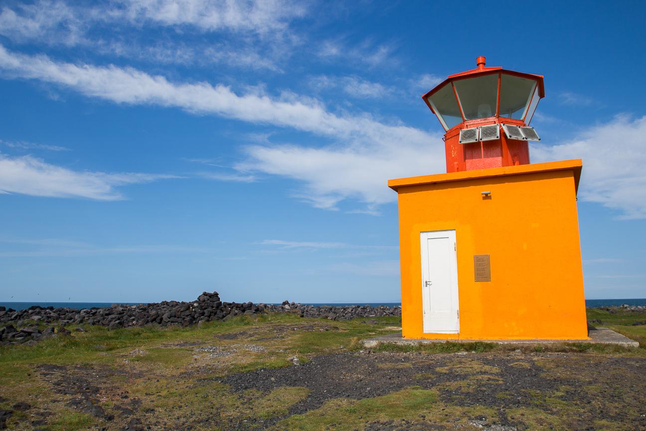 Faro enano en Islandia