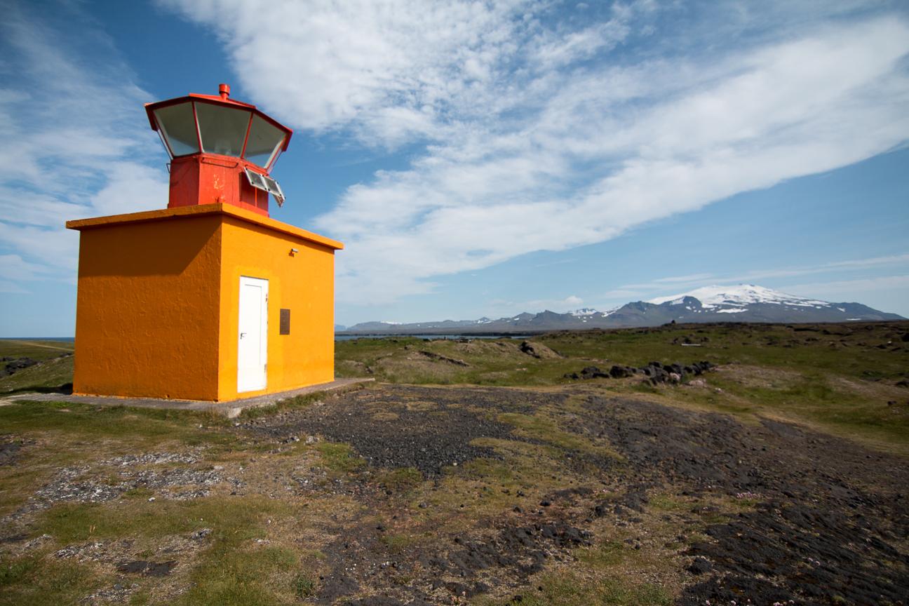 Faro Ondverdarnes y volcan Snaefell