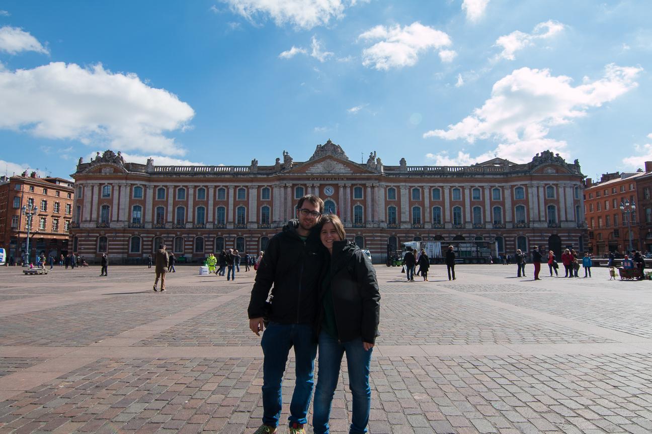 Frente al Capitolio de Toulouse