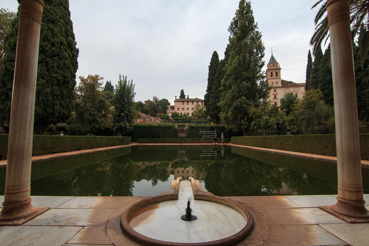 Fuente en los palacios nazaries de Granada