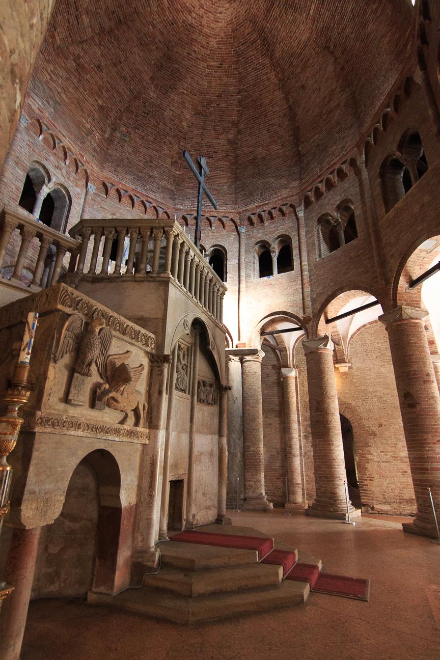 Iglesia mas antigua de Santo Stefano