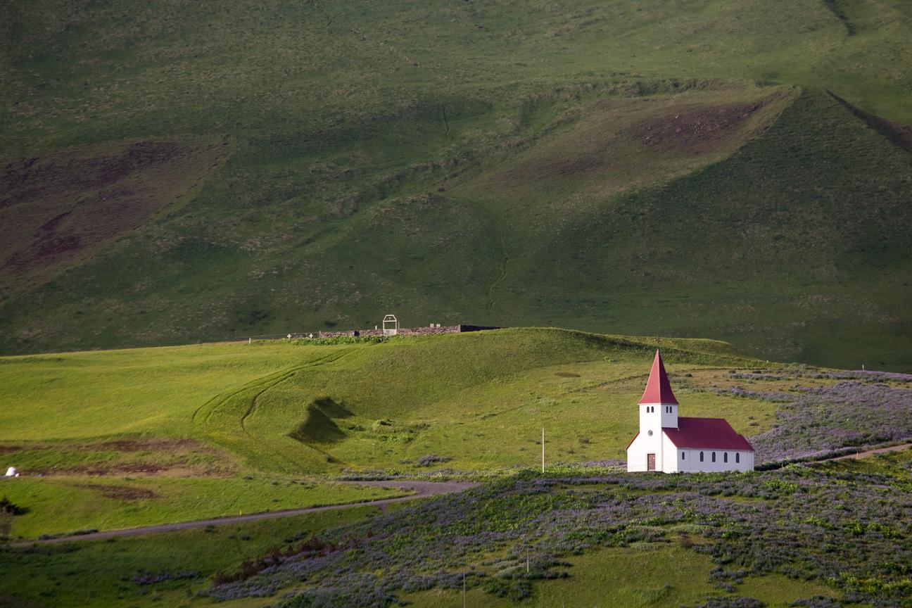 Iglesia de Vik en Islandia