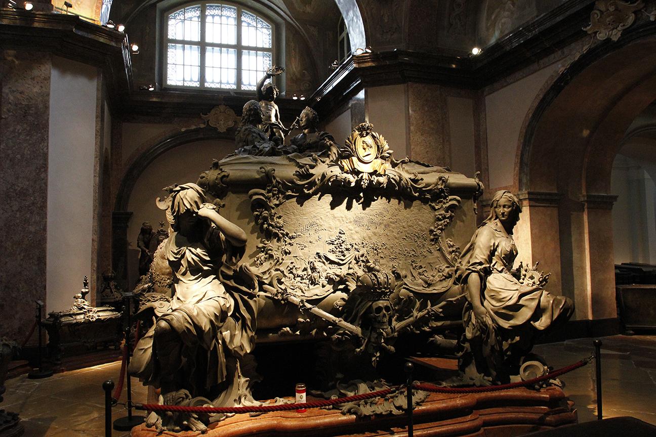 Inmenso Sarcofago en el Kaisergruft