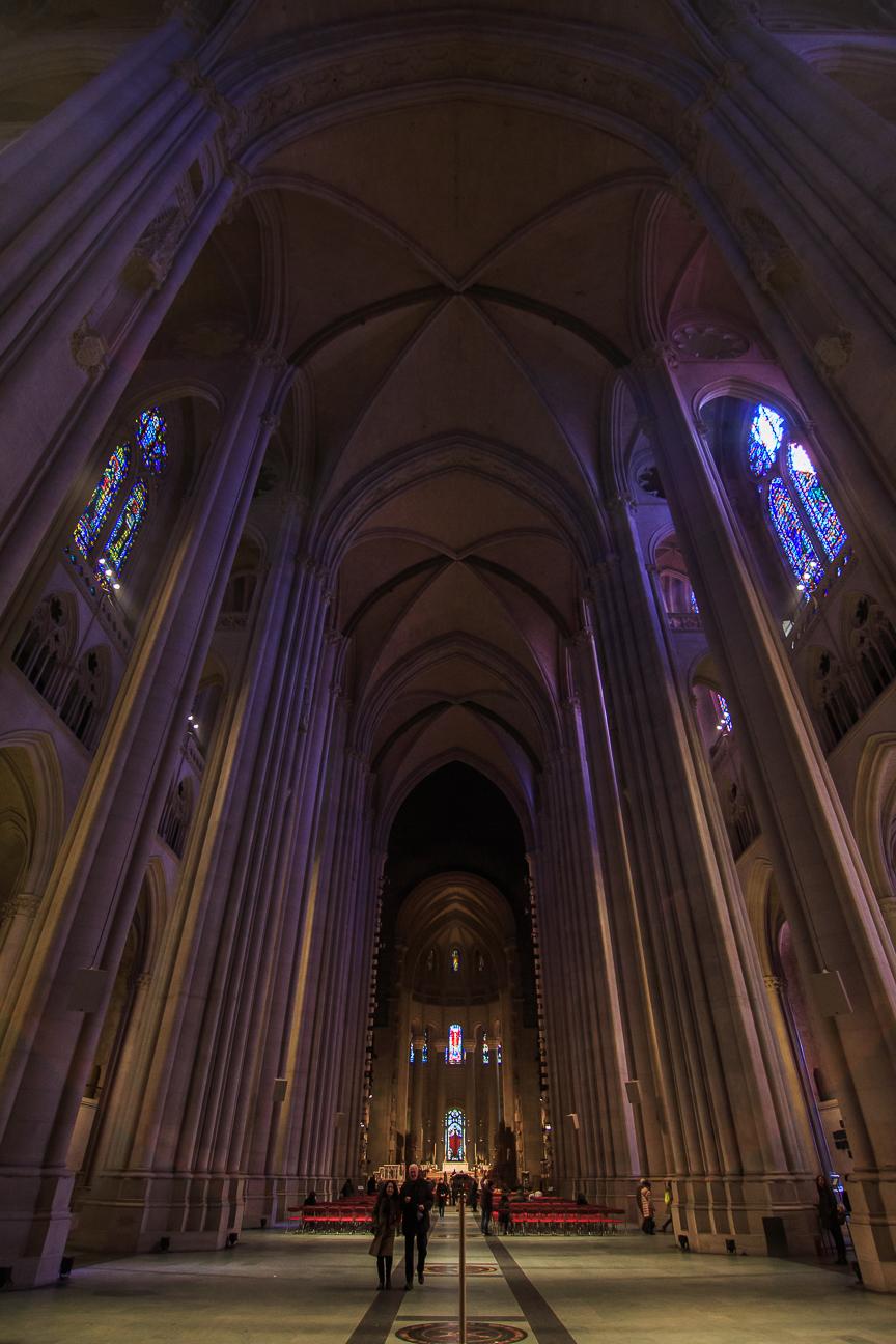 Interior de la catedral Saint John en Harlem