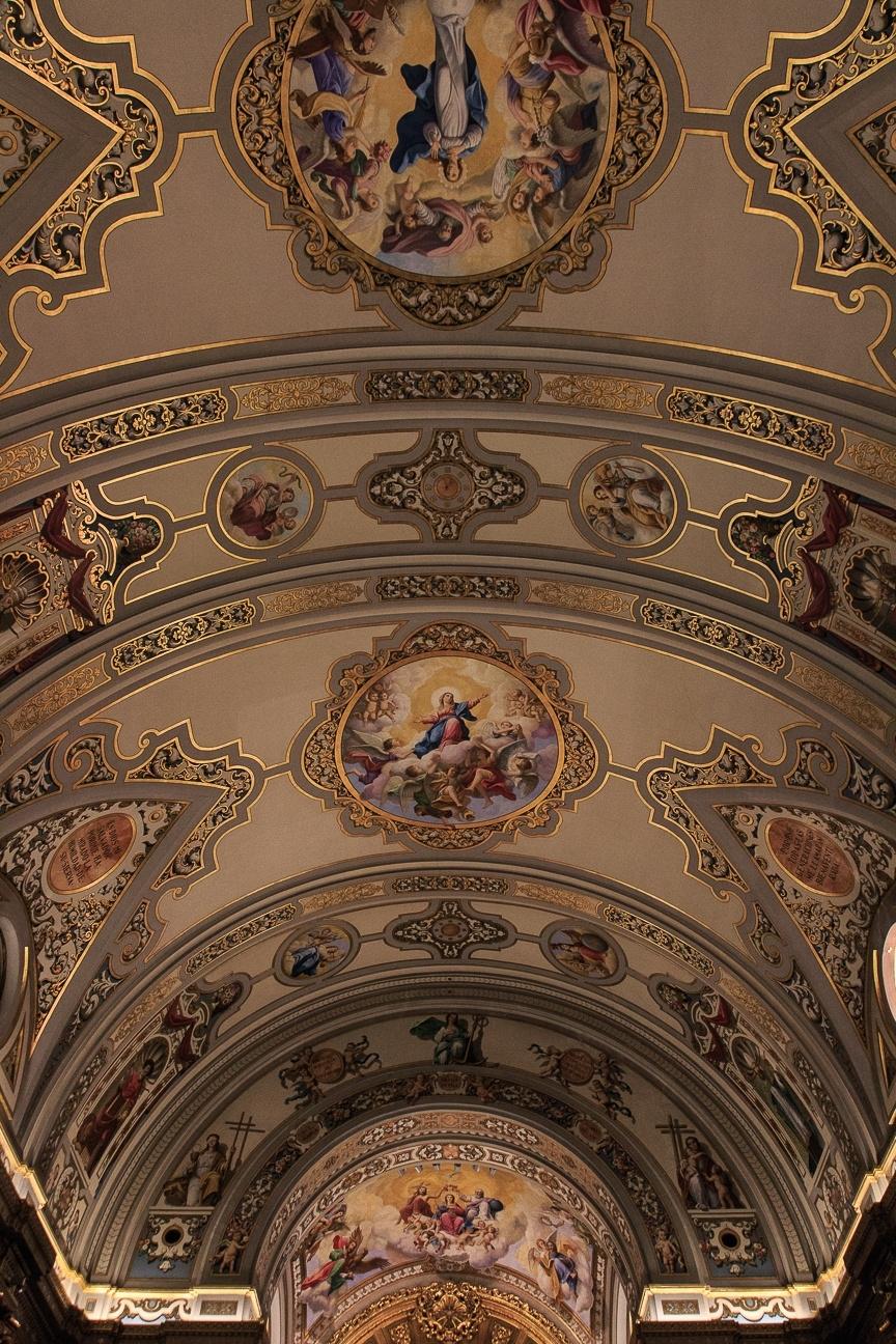 Interior de la Iglesia de la Macarena