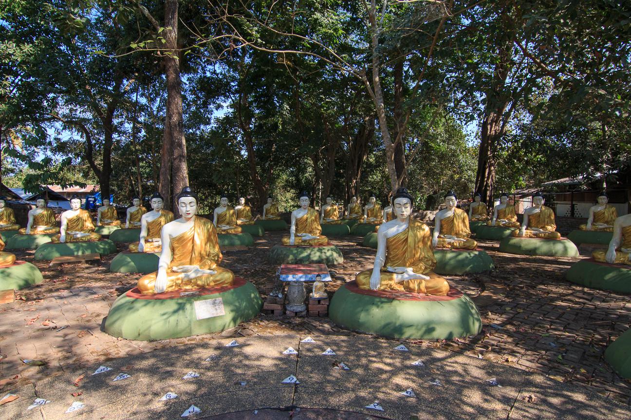 Jardin de Budhas en Myanmar